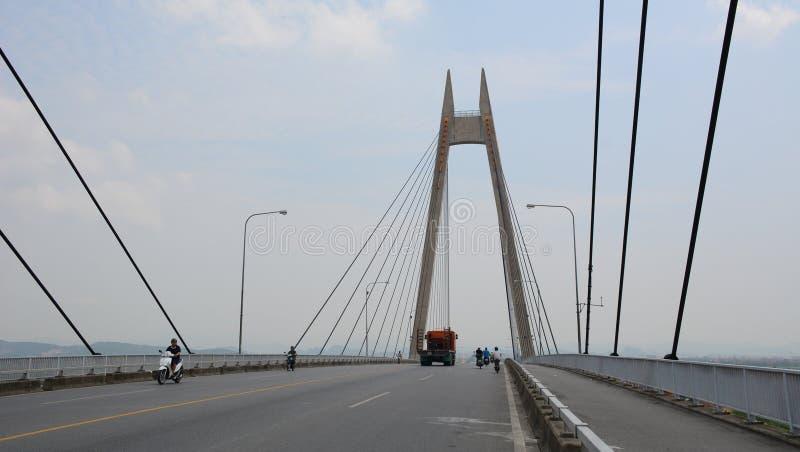 Взгляд моста Binh в Хайфоне, Вьетнаме стоковые фотографии rf