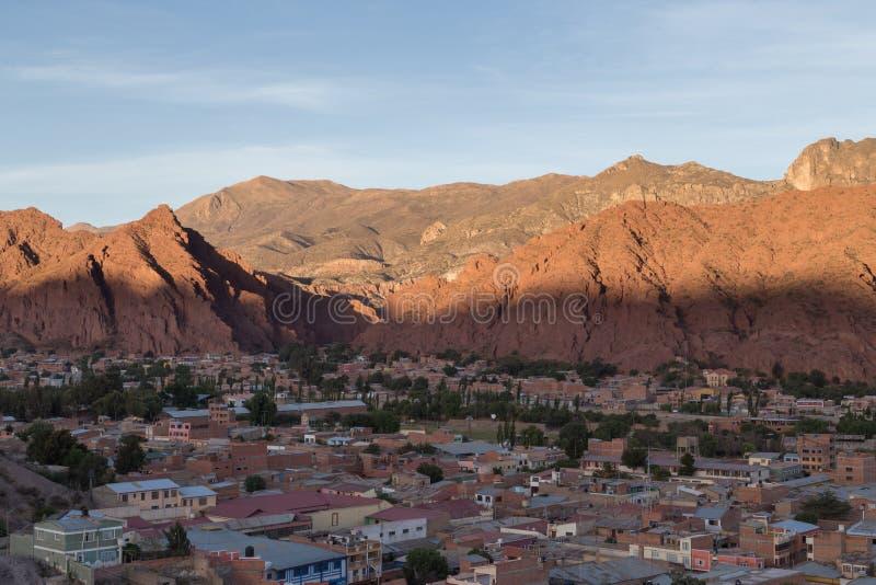 Взгляд над городом Tupiza в Боливии стоковые фото