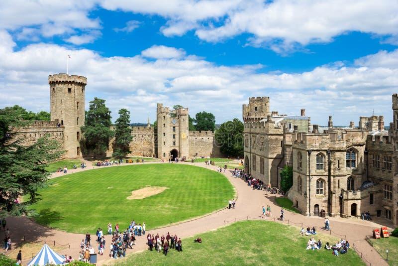 Взгляд над замком Warwick, Англией стоковая фотография rf