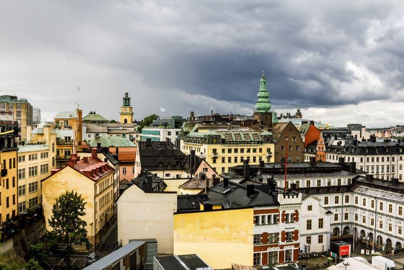 Взгляд над крышами и STADSMUSEUM в Стокгольме Швеция стоковая фотография