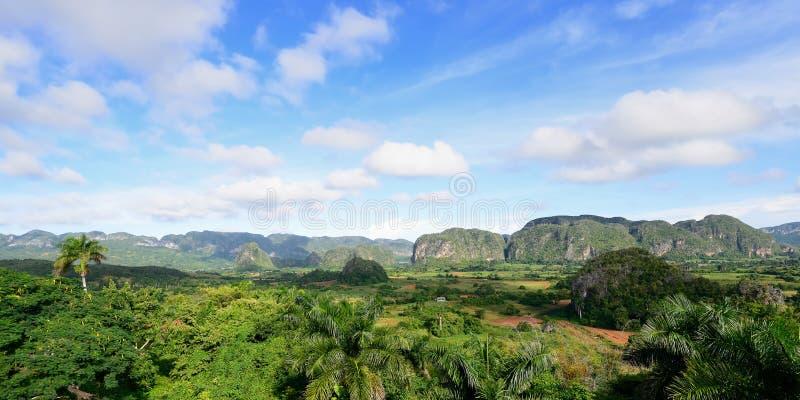 Взгляд на долине Vinales в Кубе стоковые изображения rf