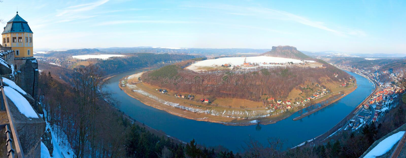 Взгляд на реке Эльбы от замка Koeningstein стоковые изображения
