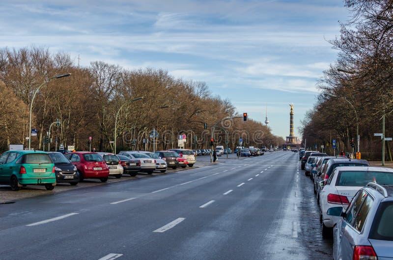 Взгляд на столбце победы в Берлине (Берлине Siegessäule) стоковое фото