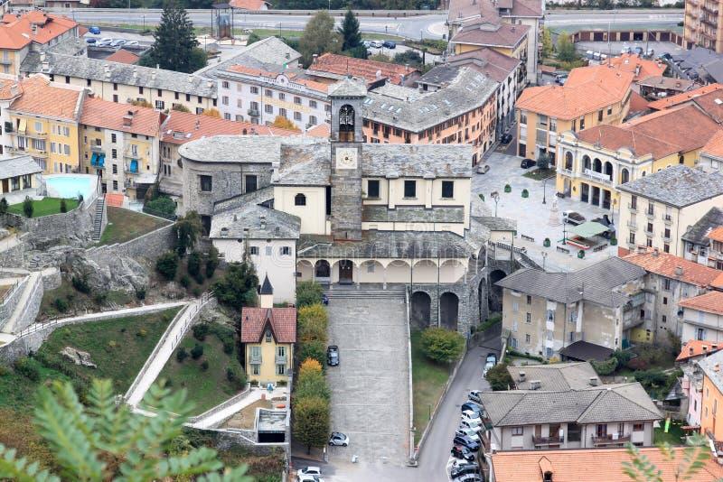 Взгляд на церков Сан Gaudenzio в Varallo, Италии стоковое изображение