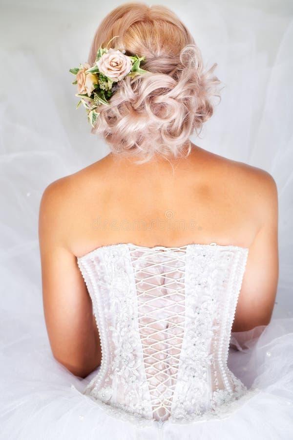 Взгляд невесты задний стоковое изображение