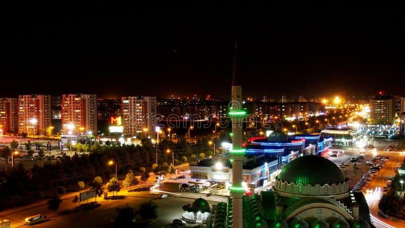 Взгляд ночи ландшафта мечети стоковые изображения rf
