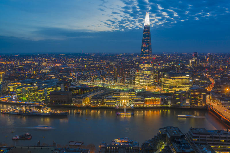 Взгляд ночи городского пейзажа Лондона стоковое фото