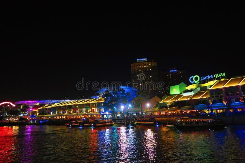 Взгляд ночи набережной Сингапура Clark стоковое фото