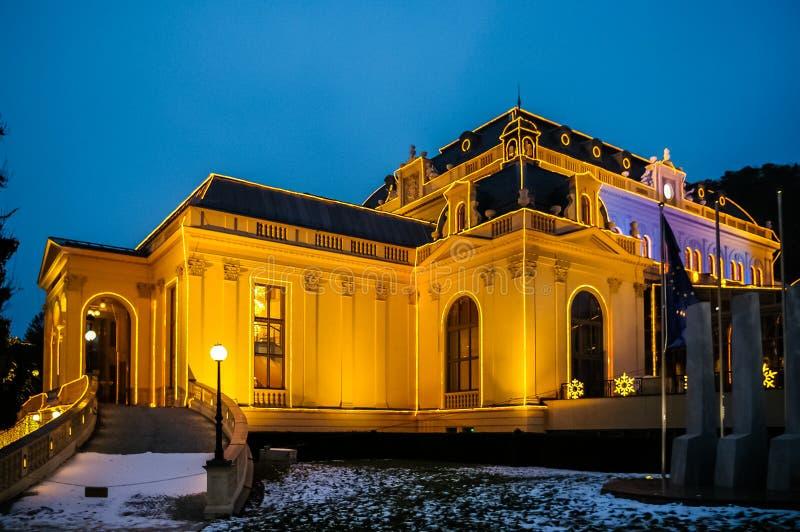 Взгляд ночи на казино в bei Wien Бадена стоковые фото