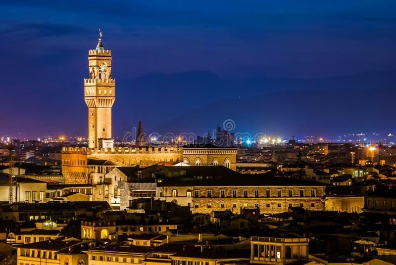 Взгляд ночи над Palazzo Vecchio на сумерк стоковая фотография