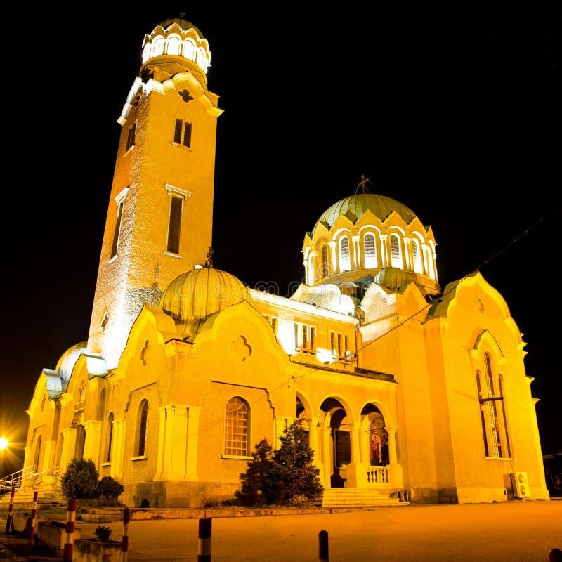 Взгляд ночи собора в Veliko Tarnovo, Болгарии стоковое фото rf