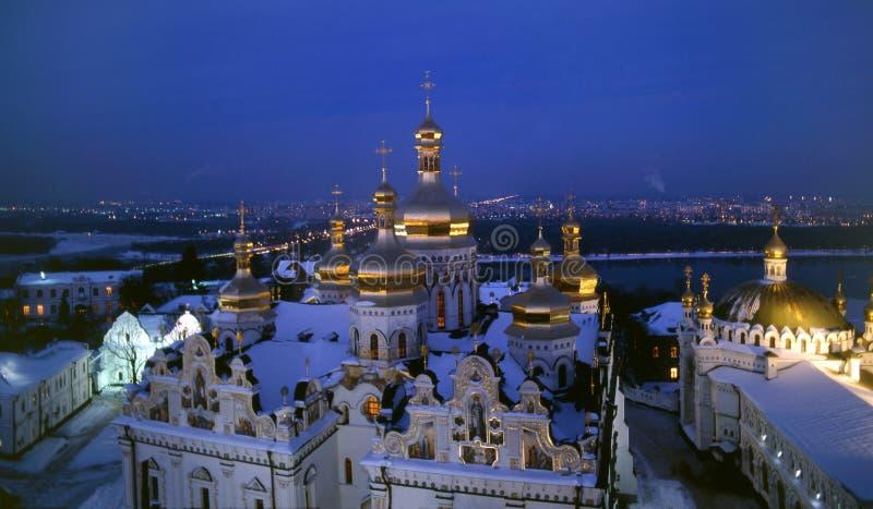 Взгляд ночи собора Dormition стоковые фото