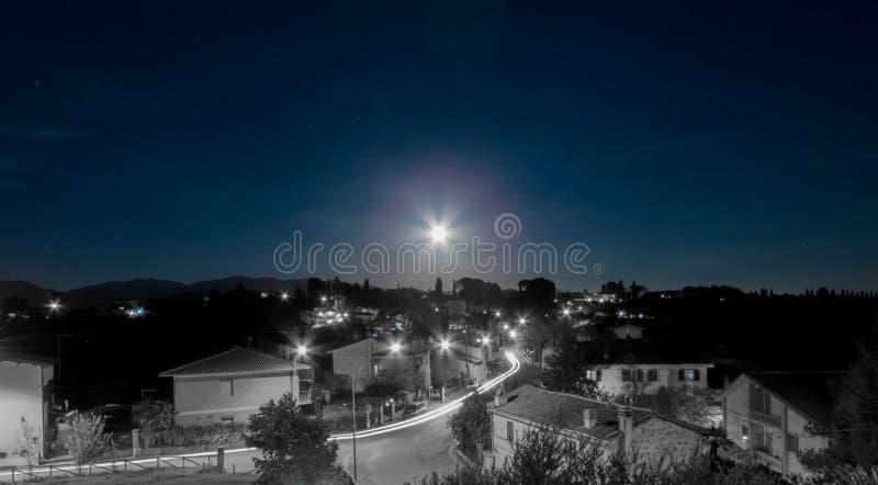 Взгляд ночи Forano Риети Италии стоковое фото rf