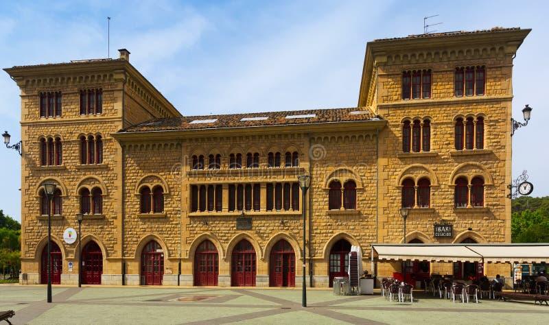 Взгляд дня железнодорожного вокзала в Estella-Lizarra стоковые изображения