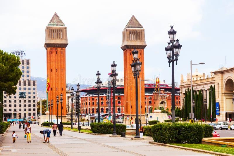 Взгляд дня Площади de Espana с венецианскими башнями стоковое изображение rf