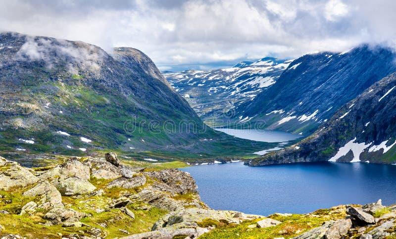 Взгляд озера Djupvatnet от горы Dalsnibba - Норвегии стоковое фото