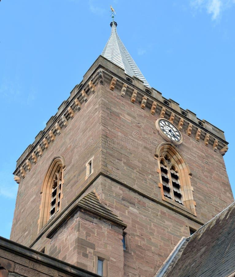 Взгляд от конца кирки кирки St. Johns, Перта, Шотландии стоковые изображения rf