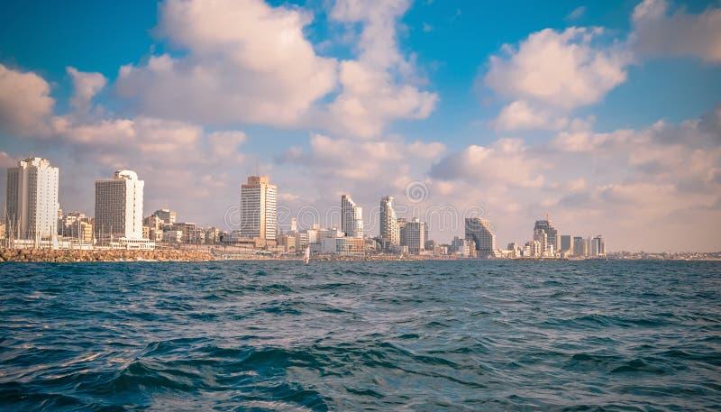 Download Взгляд от моря на Тель-Авив Стоковое Фото - изображение насчитывающей берег, зодчества: 40576416