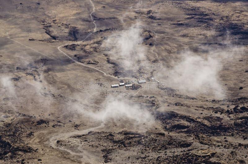 Взгляд от пикового Uhuru Килиманджаро, который нужно расположиться лагерем Kibo стоковые изображения rf