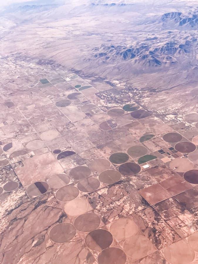 Взгляд от самолета на поверхности земли стоковое фото rf