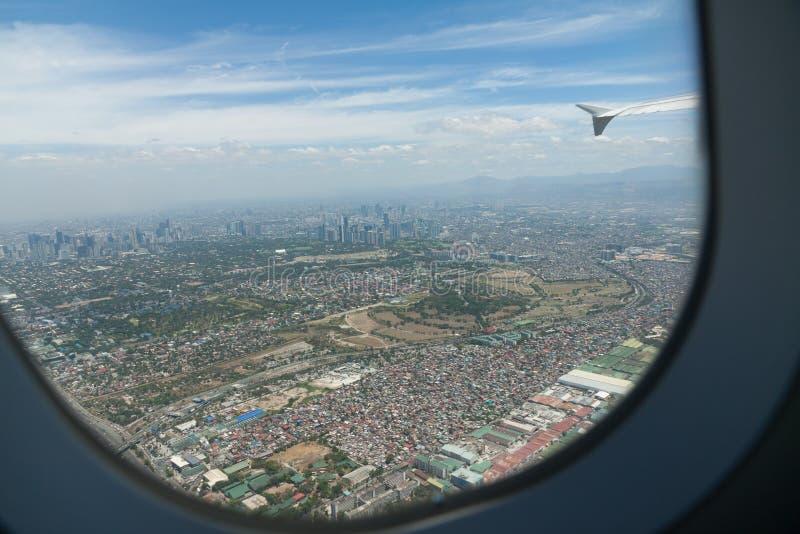 Взгляд от самолета, Филиппины Манилы стоковое изображение rf