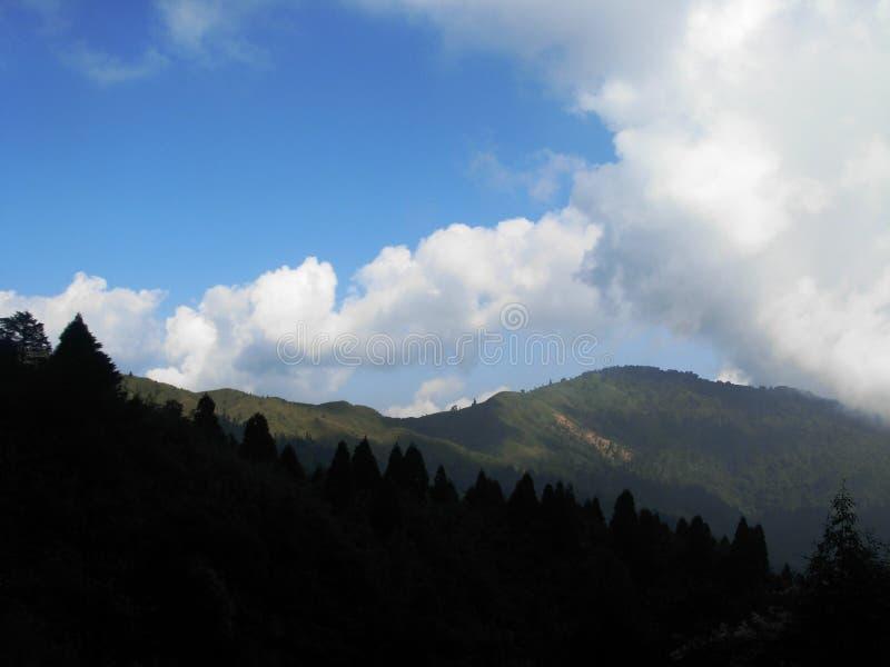 Взгляд от trekking следа на пути к Phalut стоковое фото rf
