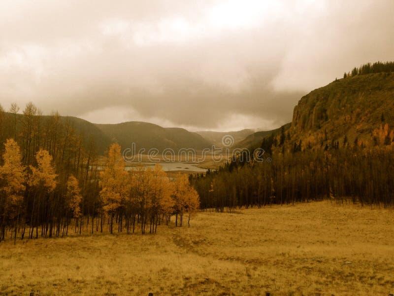 Взгляд долины осени стоковые изображения rf