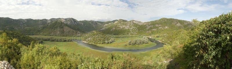 Взгляд панорамы на фьорде Черногории стоковые изображения rf