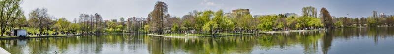 Взгляд парка Бухареста панорамный стоковые фото