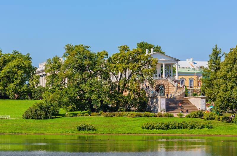 Взгляд парка Катрина в Pushkin в летнем дне стоковое фото