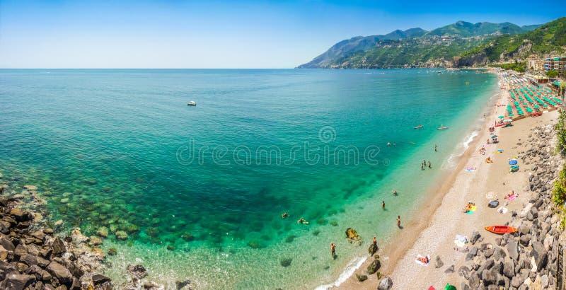 Взгляд побережья Амальфи, кампания открытки, Италия стоковое фото rf