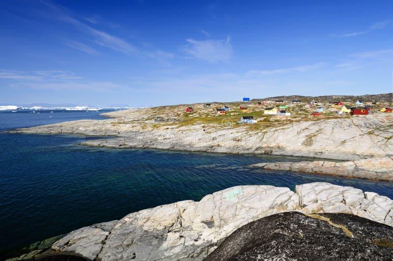 Взгляд поселения Oqaatsut (Rodebay) стоковые изображения rf