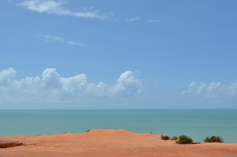 Взгляд пляжа от поднимающего вверх пика стоковые фотографии rf