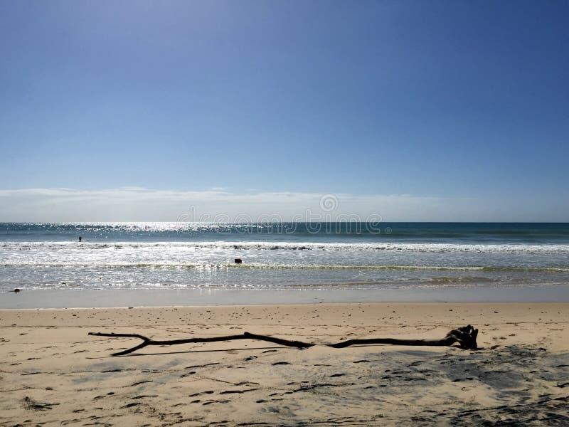 Взгляд пляжа радуги стоковая фотография rf