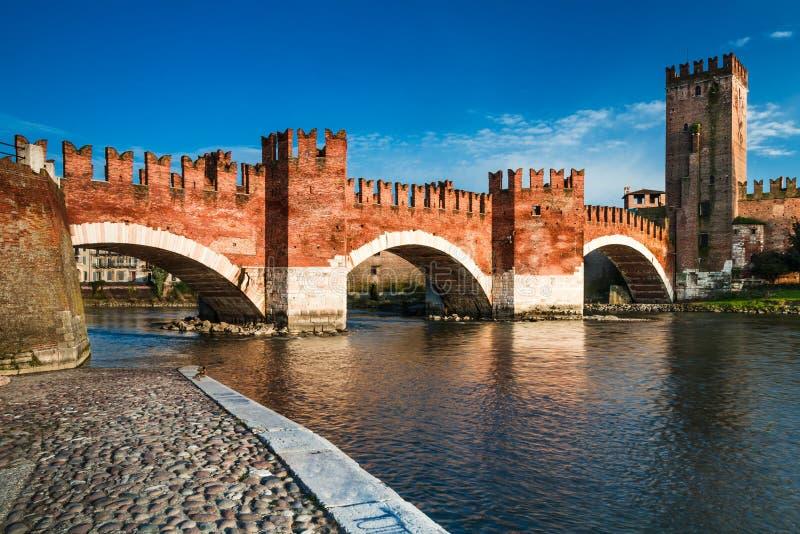 Ponte Scaligero в Верона, Италии стоковые фото