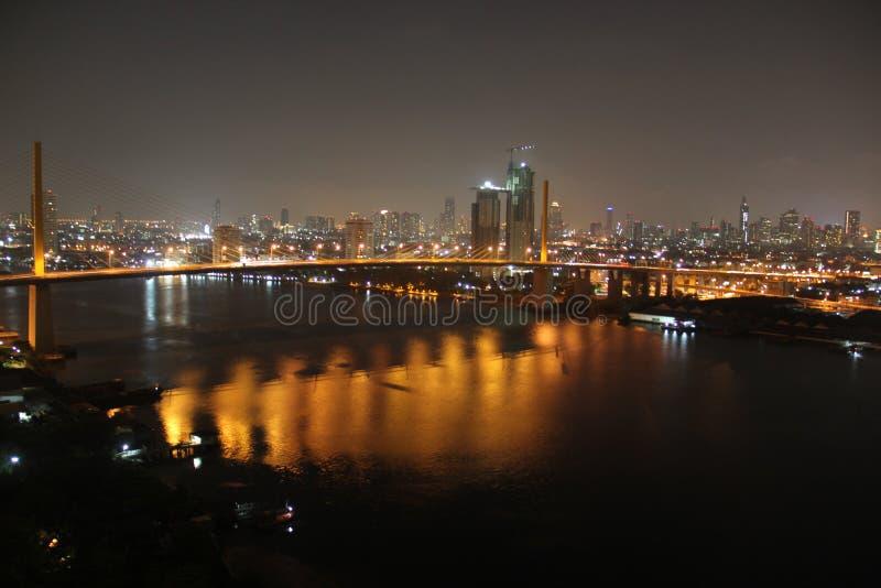 Взгляд реки моста стоковая фотография rf