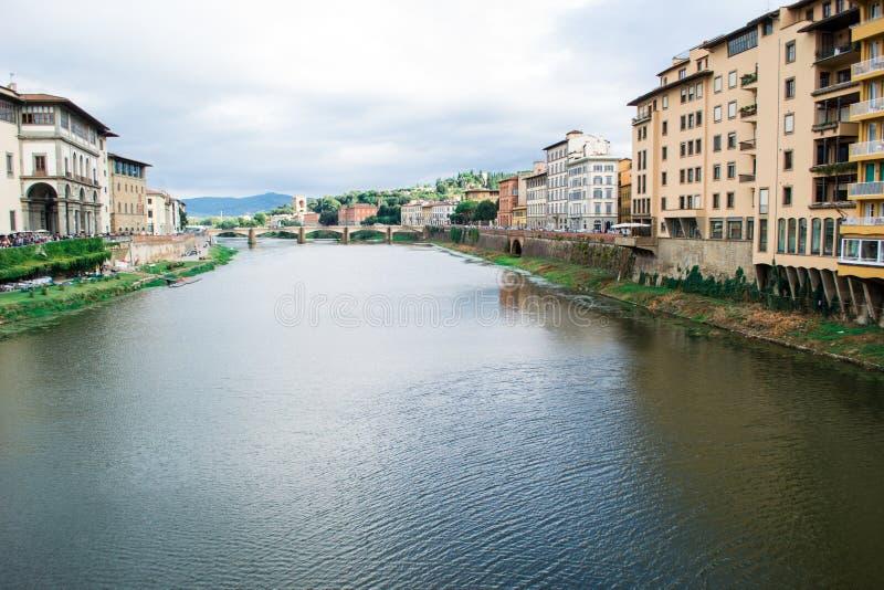 Взгляд реки Флоренса Арно стоковая фотография