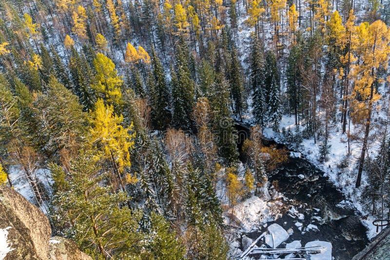 Взгляд реки Olkha от рыцаря скалы стоковые фотографии rf