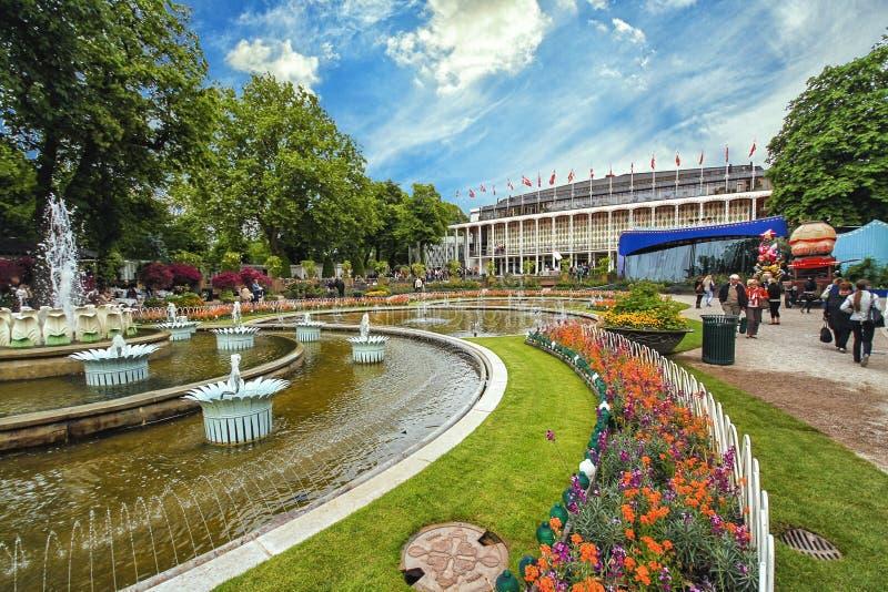 Взгляд садов Tivoli с фонтаном стоковые изображения