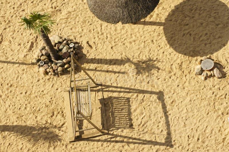 Взгляд сверху качания пляжа стоковая фотография
