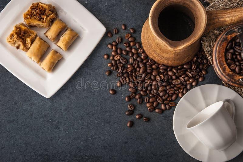 Взгляд сверху комплекта кофе подготовки стоковое фото