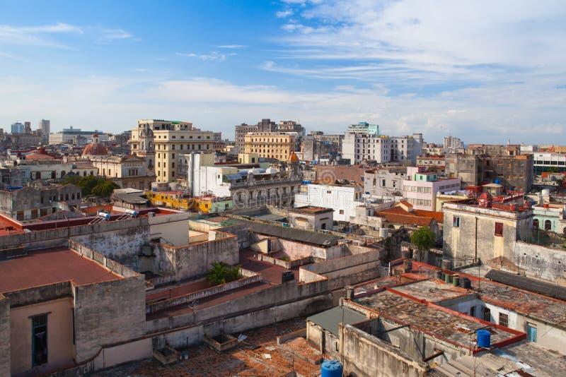 Взгляд сверху крыш и зданий Куба havana стоковые фото