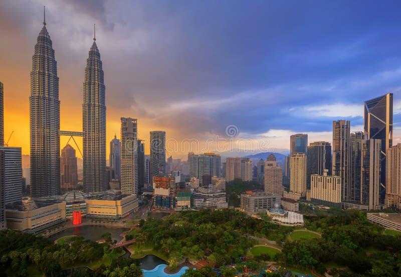 Взгляд сверху парка в городе Kuala Lumper стоковые изображения rf