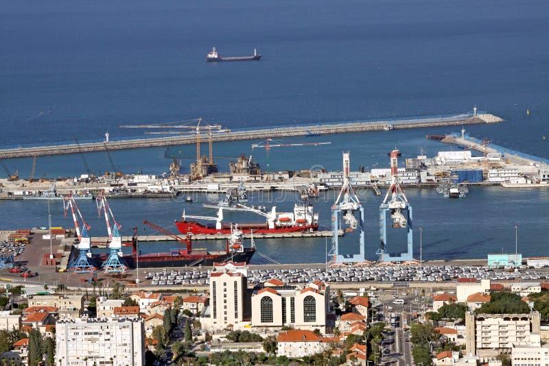 Взгляд сверху центра города и порта, Хайфы стоковое изображение