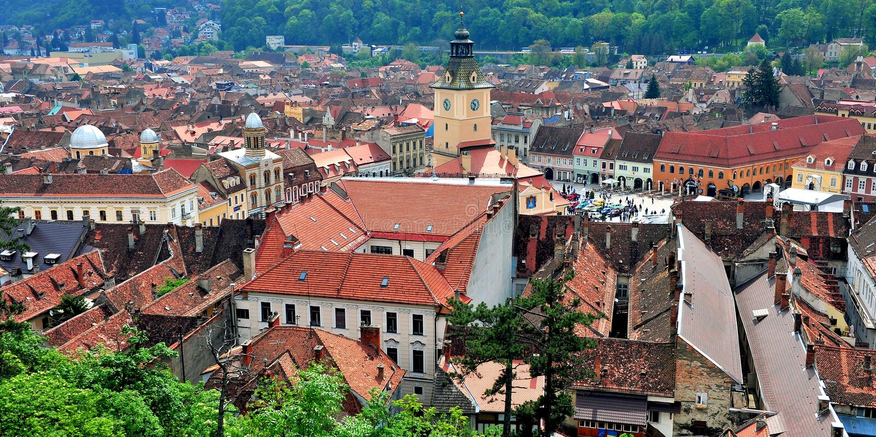 Взгляд сверху центра Brasov исторического стоковое фото rf