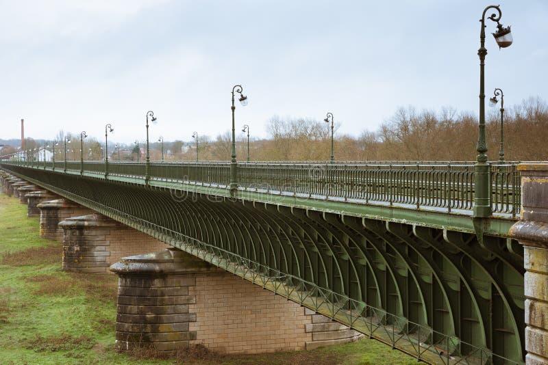 Взгляд со стороны мост-водовода Briare стоковое изображение rf