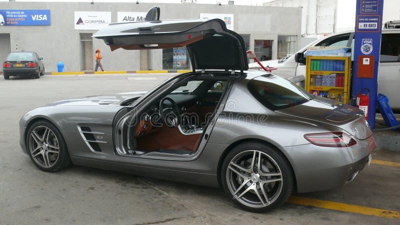 Взгляд со стороны Benz SLS AMG 6 Мерседес 3 стоковое фото