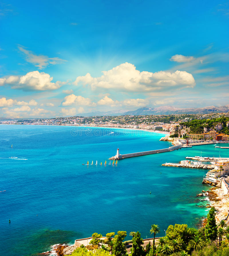Взгляд среднеземноморского курорта, французской ривьеры стоковая фотография rf
