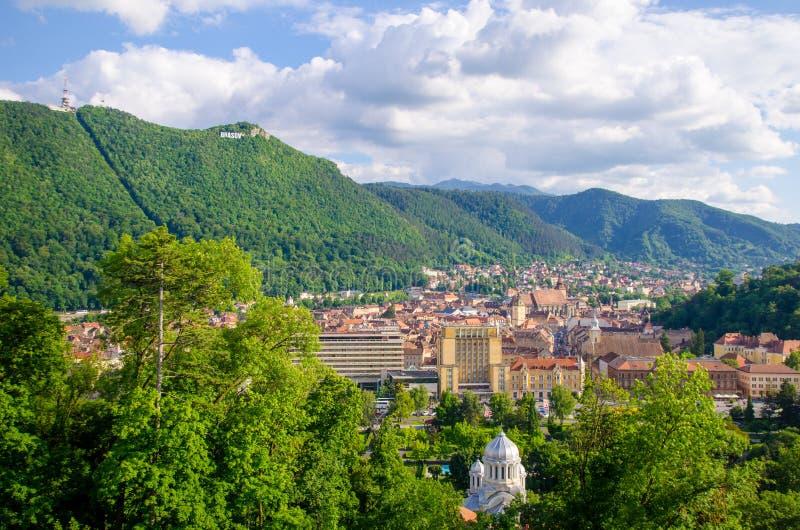 Взгляд старого города Brasov панорамный стоковая фотография