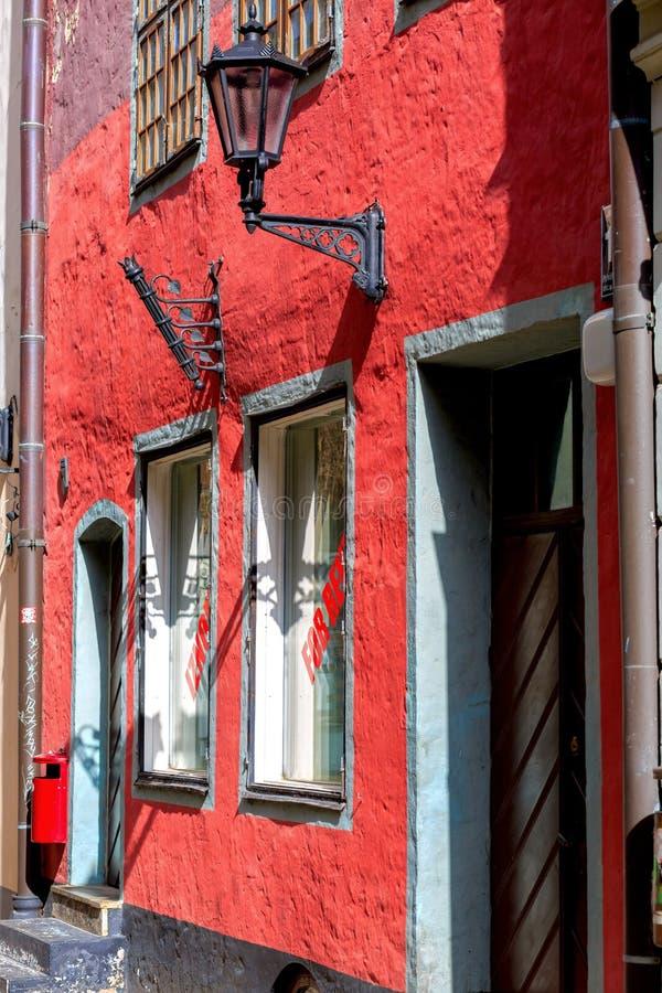 Взгляд старого здания в сердце старой Риги, Латвии стоковая фотография